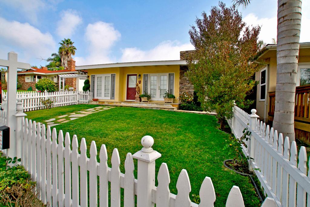 Southwest San Clemente Home | 133 Avenida Santiago, San Clemente, CA 92672