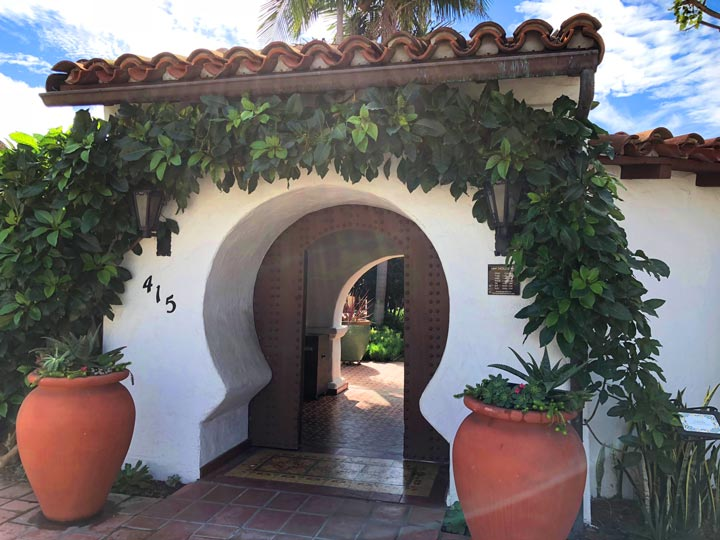 Casa Romantica San Clemente Key Hole Entrance